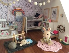 ur new mini rainbow weave has been added to the little bunnies bedroom. Thanks so much Amy for matching the weave to the Modern Dollhouse, Diy Dollhouse, Dollhouse Furniture, Dollhouse Miniatures, Family Crafts, Kids Crafts, Sylvanian Families House, Sylvania Families, Calico Critters Families