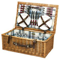 Pack the perfect picnic with this essential design, artfully crafted for lasting appeal. Product: 1 Basket4 Wine gla...