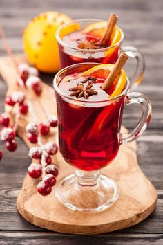There's nothing better than a glass of mulled wine to keep out the winter chill.​ Check our list best mulled wine recipes from around the world. Best Mulled Wine Recipe, Coffee Flower, Costa Coffee, Organic Wine, Wine Cocktails, Healthy Drinks, Afternoon Tea, Wines, Tea Time