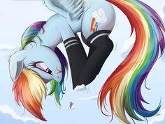 Rainbow intendo ponerse en una nube pequeña 😂😂#risa