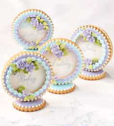 beautiful 'place card' cookies...  Would work great w/cupcakes, too!