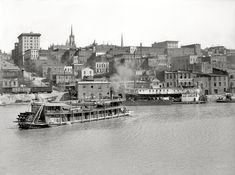 "The Mississippi River circa 1904. ""Vicksburg waterfront."" The sternwheelers Annie Russell and Alice B. Miller. Detroit Publishing Co."