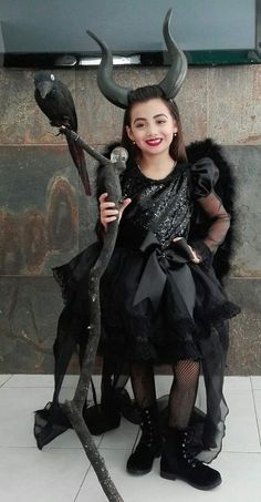Hallowen costumes 100 DIY Halloween Costumes for Kids and Adults for your to create a. hallowen costumes , 100 DIY Halloween Costumes for Kids and Adults for your to create a. 100 DIY Halloween Costumes for Kids and Adults for your Disfarces Halloween, Halloween Costumes Kids Homemade, Diy Halloween Costumes For Kids, Halloween Recipe, Halloween Couples, Scary Kids Costumes, Kids Witch Costume, Zombie Costumes, Christmas Costumes
