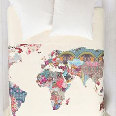 Patchwork Map Duvet Cover for my new room in England, I think its appropriate Dream Bedroom, Home Bedroom, Bedroom Decor, Bedrooms, Duvet Covers Urban Outfitters, Deco Design, Wall Design, Home And Deco, Dorm Bedding