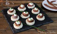 Canapés de queso crema y anchoas | Comparterecetas.com