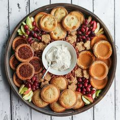 Host a fall gathering with a Fall Mini Pie Dessert Board. Use fall flavored mini pies--pumpkin, pecan, apple, and sweet potato. Charcuterie Recipes, Charcuterie Board, Thanksgiving Desserts, Fall Desserts, Fall Recipes, Holiday Recipes, Holiday Treats, Party Food Platters, Mini Pies