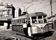 Bonde em Campinas - 1960 Av. Andrade Neves em frente a Estação da Fepasa Bonde, Street View, Places, Raisin, Weather, Sun, Men's, Kites, Lugares