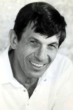 Leonard Nimoy is so sexy it hurts. Love this dude