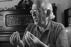 Paulo Sergio Rosa Guedes,médico,psiquiatra,psicanalista.  Grande professor, pai e amigo. Love
