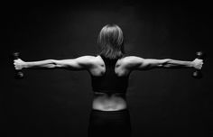 Mixing Weight Training and Aerobics...Is it wise to practice weight training and aerobic exercise on the same day? you might be surprised at the answer. Read more now.