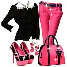 #pink #bling #fashion   www.yoamoleszapatos.com