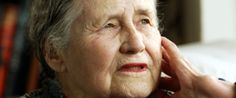 Doris Lessing Dead: Nobel Prize-Winning Author Dies at 94 -Huffington Post