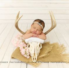 Ideas baby girl pictures newborn photo shoot for 2019 Baby Girl Pictures, Baby Boy Photos, Newborn Pictures, Newborn Pics, Country Baby Pictures, Baby Girl Photography, Photography Ideas, Baby Girl Newborn, Baby Baby