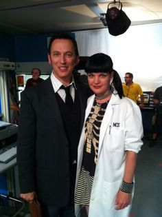 Me and my lovely awesome friend on the set Steve Valentine, Ncis Abby, Ncis Gibbs Rules, Ncis Cast, Michael Weatherly, Addiction, Best Friends, Tv Shows, Bands