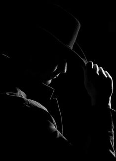 Film Noir - Black and White Photography - Gangster Black And White Portraits, Black And White Pictures, Black And White Photography, Low Key Photography, Portrait Photography, Film Noir Photography, Low Key Portraits, Rim Light, Light Film