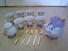 Precioso juego de té de La Bella y la Bestia.
