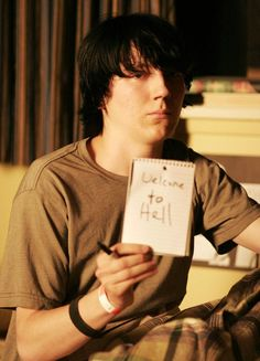 "To lost himself (his voice) to find himself. Dwayne played by Paul Dano in ""Little Miss Sunshine"" Paul Dano, Little Miss Sunshine, Iconic Movies, Great Movies, Robert Pattinson, Pulp Fiction, Movies Showing, Movies And Tv Shows, Sunshine Quotes"