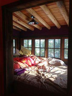 Cabin house home, cozy nook, house. Cozy Bedroom, Dream Bedroom, Bedroom Decor, Bedroom Ideas, Dream Rooms, Wooden Bedroom, Bedroom Rustic, Bedroom Bed, Bedroom Windows