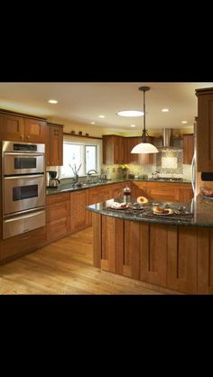 Like natural cherry, Kitchen Kitchens With Natural Cherry Cabinets And Granite Counters Design, Pictures, Remodel, Decor and Ideas - page 11 Cherry Kitchen, Green Kitchen, New Kitchen, Kitchen Decor, Kitchen Ideas, Kitchen Designs, Space Kitchen, Eclectic Kitchen, Cozy Kitchen
