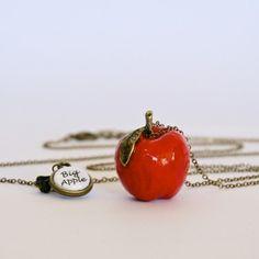 Sautoir Pomme rouge, Big Apple  Créateur : fabrikeclectik