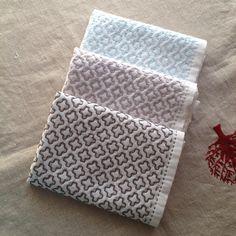 好きな模様を色違いで。好きな模様は何回作っても飽きずに楽しい☺︎#刺し子#sashiko#花ふきん#stitching#handstitched#キッチン雑貨