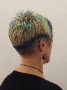 contrasti blu