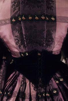 Image of 1983.001.0077 a-c, Dress