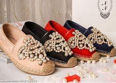 Krásne perličkové topánky v 4 farbách