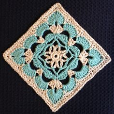 Crochet Granny Square Patterns Scallop Flower Square by Beverley Moffitt - Crochet Squares Afghan, Crochet Motifs, Crochet Blocks, Granny Square Crochet Pattern, Crochet Granny, Crochet Stitches, Free Crochet, Knit Crochet, Crochet Patterns