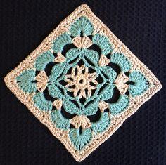 Scallop Flower Square: free pattern by Beverley Moffitt