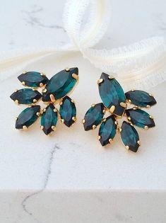 Eemrald earrings,Emerald crystal stud earrings,Crystal Bridal earring,Bridesmaids gift,Chandelier earrings,Swarovski earrings,Gold or silver by EldorTinaJewelry on Etsy  http://etsy.me/2cs7xV0