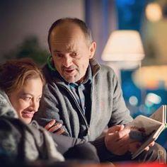 Leon czyta Kubusiowi i Alicji bajki. Każdemu życzymy takiego oddanego dziadka :) #lekarze #lekarzetvn #tvn #magdalenaróżczka #jacekkoman foto #piotrlitwic Tv Series, Couple Photos, Couples, Instagram, Couple Shots, Couple Photography, Couple, Couple Pictures