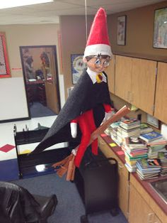 Lessons from a Laughing Librarian: 3 for Thursday: Elf on a Library Shelf - Elf on the shelf Harry Potter Elf, Harry Potter Classroom, Library Shelves, Library Displays, Elf Auf Dem Regal, Awesome Elf On The Shelf Ideas, Elf Magic, Christmas Preparation, Media Center