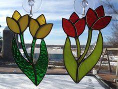 Suncatcher tulipes vitrail fait à la main par QTSG sur Etsy