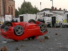 Sept. 2012 Sectarian violence erupts in Belfast, injuring 26 police officers | UK news | The Guardian