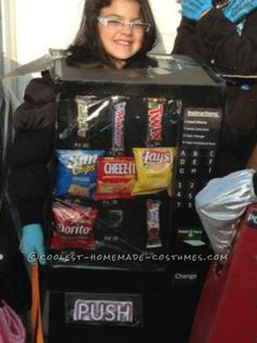 Coolest Homemade Vending Machine Costume... This website is the Pinterest of costumes