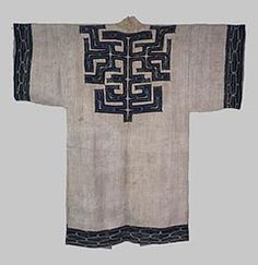 """The attush fabrics made from Staff-tree fiber or nettles are called """"retarpe,"""" which means white things, because the color of the fabric is white. The Sakhalin Ainu are noted for wearing these clothes. While the Ainu wore bark clothes appliqued or embroidered as formal clothes, they wore such clothes without patterns as everyday ones."""