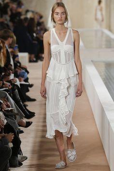Balenciaga Spring 2016 Ready-to-Wear Collection - Vogue