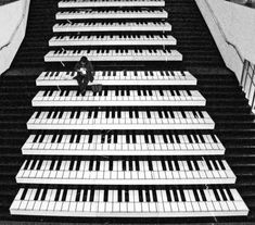 Piano painted on the stairs.