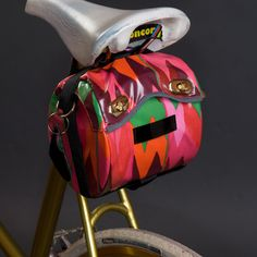 this is the cutest bike bag I've ever seen