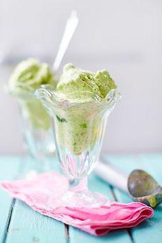 Denna glass får en otroligt fräsch touch med mynta och lime, och ärtorna har en naturlig sötma i sig som passar utmärkt ihop med bananen. Den gröna ärtan ...