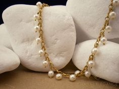 A. Leondarakis handmade 18K gold pearl necklace