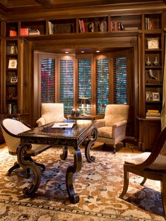 7 Best Traditional Office Interiors