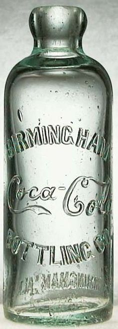 Coca-Cola perfected their famous recipe and began distributing at this time.This is their original Coca-Cola bottle design. - Coca Cola - Idea of Coca Cola Vintage Coca Cola, Coca Cola Ad, Always Coca Cola, Coca Cola Bottles, Antique Bottles, Vintage Bottles, Bottles And Jars, Glass Bottles, Lighted Wine Bottles