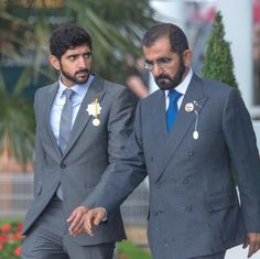 Handsome Men Quotes, Handsome Arab Men, Royal Family Pictures, Prince Mohammed, Prince Crown, Arab Wedding, Photoshop Pics, Cool Hairstyles For Men, Sweatpants Outfit