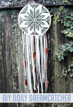 Leather And Lace Dreamy Dreamcatcher DIY Diy Arts And Crafts, Fun Crafts, Cles Antiques, Doily Dream Catchers, Doilies Crafts, Diy Planters, Craft Tutorials, Craft Ideas, Diy Projects To Try