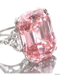 In a rare Pink diamond, previously owned by Harry Winston, was sold for an exorbitant price of million to British billionaire jeweller Laurence Graff at an auction in Geneva. The diamond was named the Graff Pink. Bling Bling, Pink Diamond Jewelry, Diamond Heart, Diamond Rings, Emerald Rings, Ruby Rings, Uncut Diamond, Diamond Stud, Rhinestone Jewelry