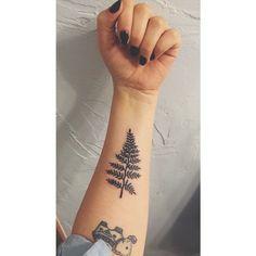 Little Tattoos, Small Tattoos, Cool Tattoos, Tatoos, Leaf Tattoos, Body Art Tattoos, Sleeve Tattoos, Piercing Tattoo, I Tattoo