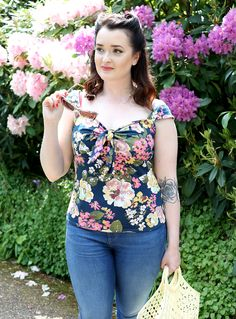 The Crafty Pinup - Retro and Vintage Style Sewing Blog: New Season Simplicity 8342 Pattern GIVEAWAY!