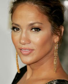 Contour/Highlight shown best on JLo